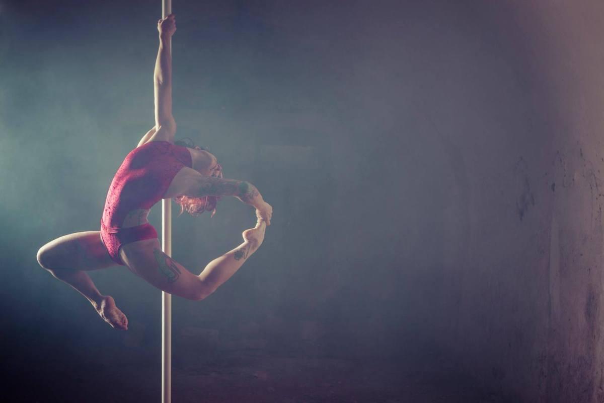 Pole dance : 10 bonnes raisons de se lancer !